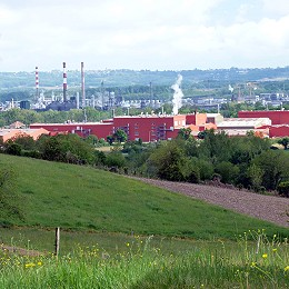 L'usine Toray Carbon Fibers et le site de Total à Lacq - photo aqui.fr
