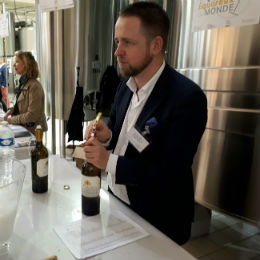 "Joseph Johnston responsable export de ""Morlet Family Vineyards"""