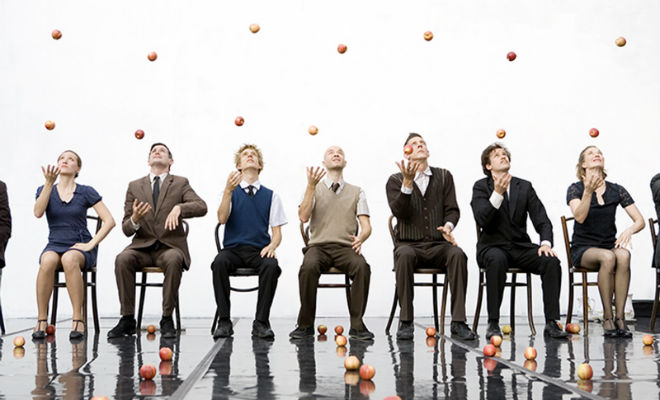 Gandini Juggling et son spectacle Smached